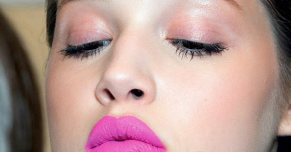 hot pink lips.