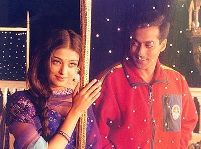 Salman Khan And Aishwarya Rai In Movie Hum Dil De Chuke Sanam Salman Khan Aishwarya Rai Bollywood Couples