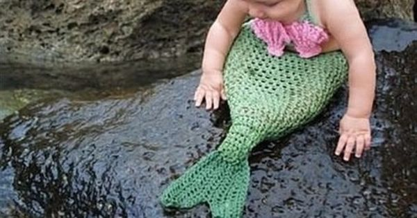 Adorable knit crochet mermaid costume for a baby girl...I'm gonna have to