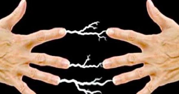 فولتك مش عالي طبيب يوضح سبب لسعات الكهرباء و6 نصائح لتجنبها Peace Gesture Okay Gesture Peace