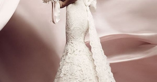 I love the Lissome bridal gown by Ines Di Santo. Everything about