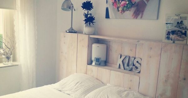 Slaapkamer Nis : Hoofdbord van steigerhout met leuke nis en bovenplank ...