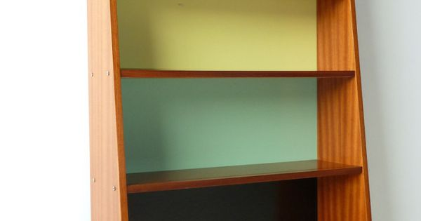 Guariche meubles moderne milieu de si cle et m taux for Entreposage de meuble