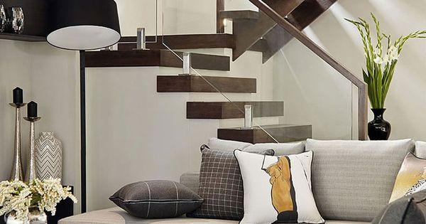 Casa de dos pisos moderna con hermosa fachada estilizada for Ver decoracion de interiores