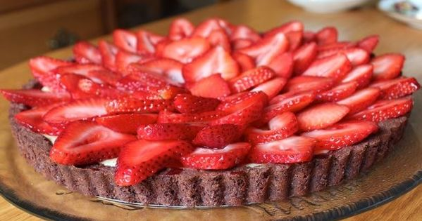 Almond Strawberry Cheesecake Tart | Recipe | Strawberry Cheesecake ...