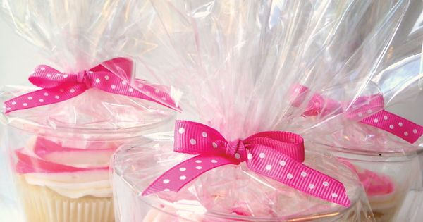 how to package cupcakes { use a clear plastic cup} this is
