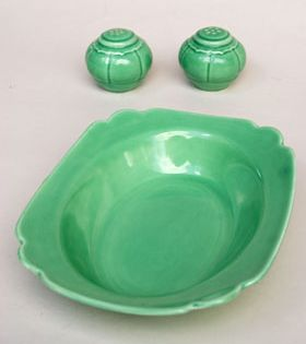 Riviera Pottery For Sale Original Green Oval Baker From Vintagefiestaware Com Vintage Pottery Homer Laughlin