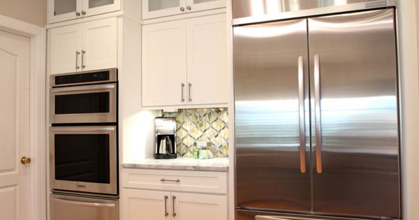 We Love This Stunning Contemporary Kitchen White Cabinets