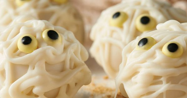 BOO! Mummy Cookie Balls #recipe #halloween | Frightfully Fabulous ...