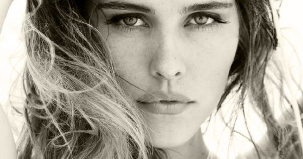 Isabel Lucas played tasha (1985) - Australian actress started out on Home