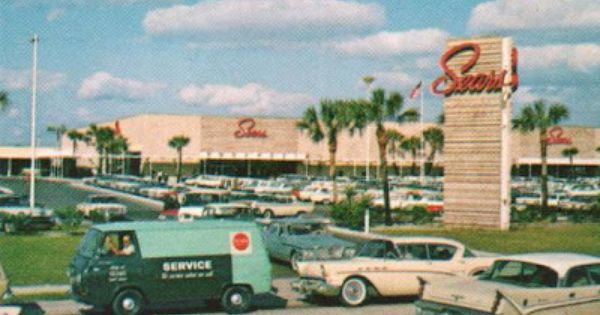 to go along with the earlier post here s sears at fashion square mall the first sears in orlando was in downtown orlando on vintage mall florida images sears pinterest
