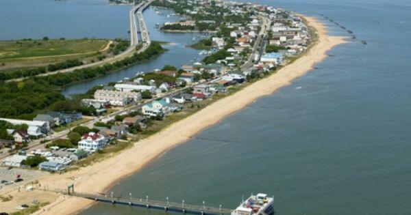Ocean view pier delicious crab cakes longest pier in the for Ocean view fishing pier