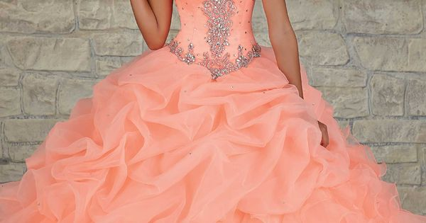 THIS IS LITERALLY MY DREAM DRESS!! I CAN'T IMAGINE ANYTHING ELSE!!!! Quinceanera