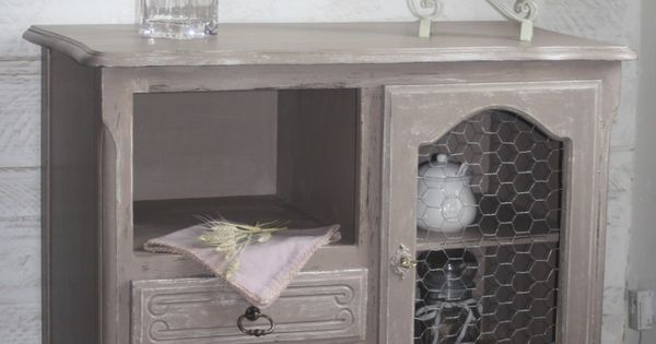 commode patin e taupe avec grillage de poule meubles et rangements par a l eure de la patine. Black Bedroom Furniture Sets. Home Design Ideas