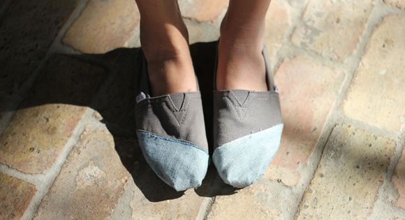 DIY: Update your Toms with Colorblocking! via Free People