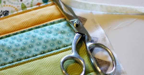 Super sweet Baby Quilt Tutorial Includes link to cheater binding tutorial. Leave