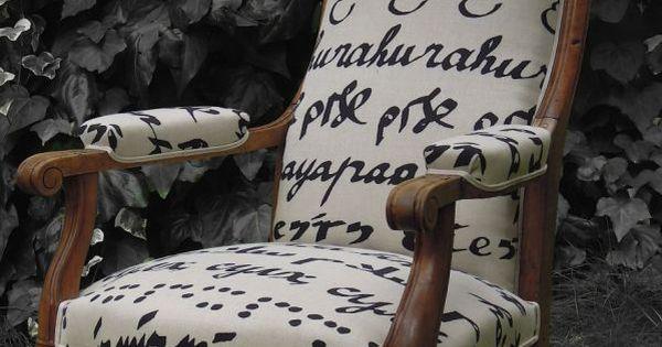 fauteuil voltaire tissu pierre frey patine des bois finition cir e fauteuil pinterest. Black Bedroom Furniture Sets. Home Design Ideas