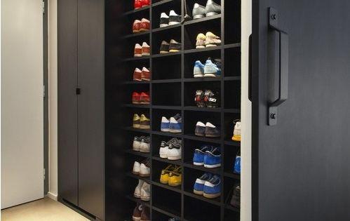 10 id es pour ranger ses chaussures dans un petit espace casiers armoires et yeux. Black Bedroom Furniture Sets. Home Design Ideas