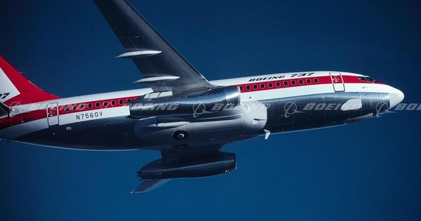 737 200 In Flight Aircraft Modeling Jet Age Airplane Photography