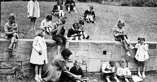 Children Drawing At Lakeview Terrace Public Housing Project 1940 California History Lakeview Terrace Environmental Law