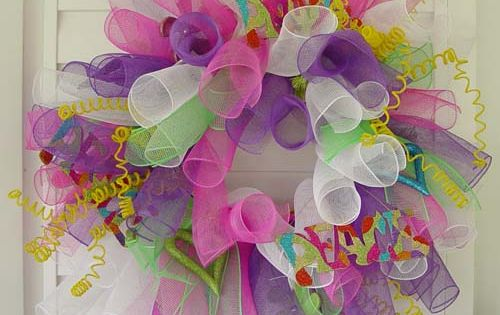 Deco Poly Mesh Curly Wreath. Easter wreath
