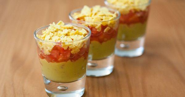 recette verrine mexicaine pour l 39 ap ro guacamole pur e de poivron chips cuisine verrines. Black Bedroom Furniture Sets. Home Design Ideas