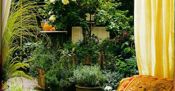 24 Awesome Small Garden Design Ideas Pictures : The Small Garden Small