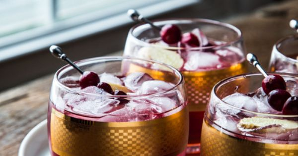 cranberry ginger cocktail - Jelly Toast | BEBIDAS | Pinterest | Jelly ...