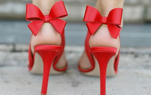 little bow feet red