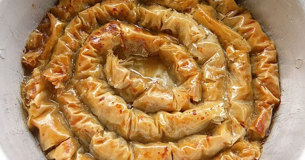 Armenian walnut baklava kodzha karen gerdana armenian for Armenian cuisine cookbook