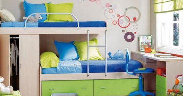 Ideas para acomodar dos camas en un cuarto cuando el - Camas para espacios pequenos ...