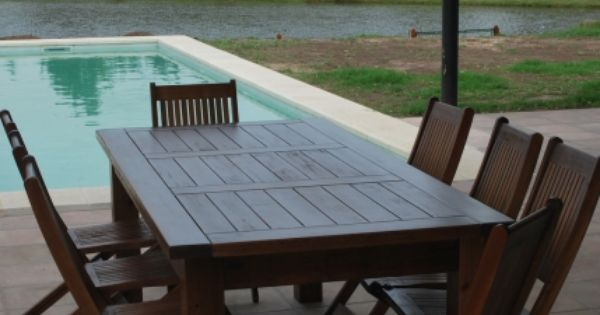 Mesa y sillas de madera para patios mesas pinterest for Sillas para patio