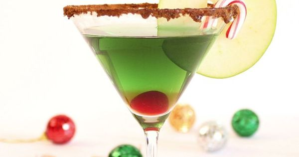 Cinnamon Caramel Apple Martini – Holiday Cocktail Recipe