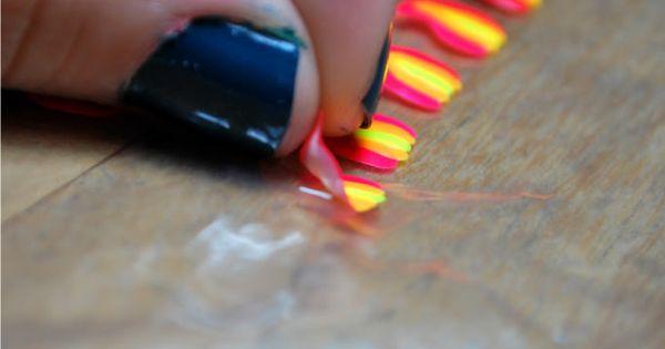 smart fingernail designs: paint a design on a ziplock bag, peel off,