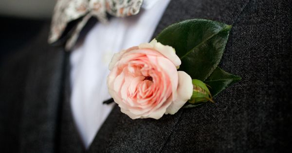 #boutonniere Photography: Lauren Ross Photography - laurenrossphoto.com Event Planning + Design: Beth