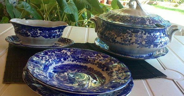 Vajilla azul de la cartuja de sevilla decoraci n de la for Vajilla de platos