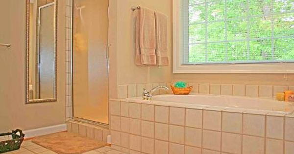 How To Clean Mold And Mildew From Bathroom Tile