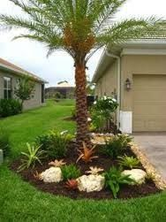 Resultado De Imagen Para Jardines Modernos Con Palmas Florida Landscaping Palm Trees Landscaping Tropical Landscaping