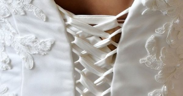 Robe de Mariée Gerda de Cosmobella doccasion à Paris  Robes de ...