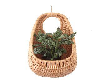 Unique Boho Woven Wicker Wall Basket Teardrop Hanging Basket Planter Plant Basket Wall Pocket Hand Woven Natural Decor Baskets On Wall Hanging Rattan Wicker