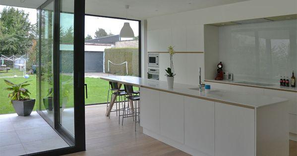Keuken harmonieus contrast staal zwart wit overdekt terras hoekschuifraam hvh architecten hvh - Overdekt terras tegel ...