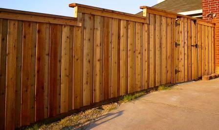 Board On Board Cedar Fence With Cap Backyard Fences Fence Decor Front Yard Fence
