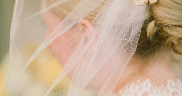Beautiful lace hair piece veil weddingveil