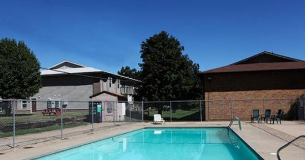 Catalpa East The Wooten Company Llc Http Www Thewootenco Com Property Detail Catalpa East Property Apartments For Rent Apartment