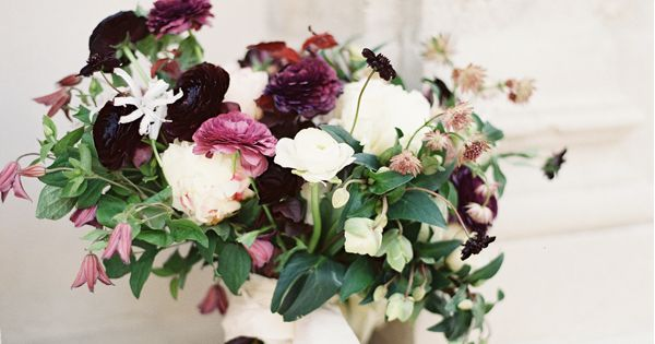 Rich and Delicate Wedding Inspiration - #darkpurplewedding #purpleandwhitewedding #purplewedding