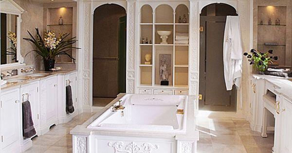 The Italian Renaissance Interior Design Is The Ideal Choice For The People Who Want To Go Classic And Elegant With Images Residential Design Renaissance Furniture Design