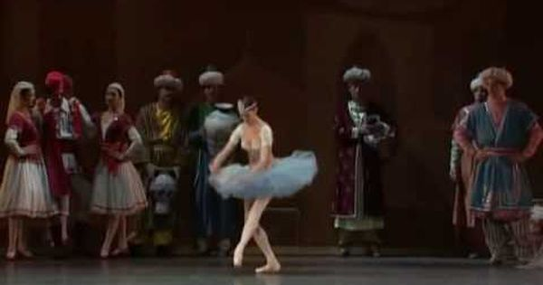 Le Corsaire Favorite Ballet Gillian Murphy Is In The Center Of