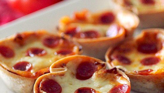 Mini Deep Dish Pizzas Servings per recipe: 12 Amount per serving(one pizza):