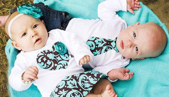 Cute boy/girl twins matching outfits -Twins Baby Onesie Set 2 matching Onesies