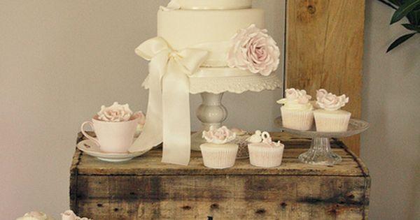 I LIKE THE OLD CRATE AS DECOR Shabby Chic Wedding ... Wedding
